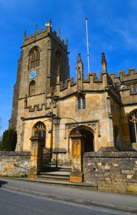 File:St Peter, Winchcombe - geograph.org.uk - 4441897.jpg