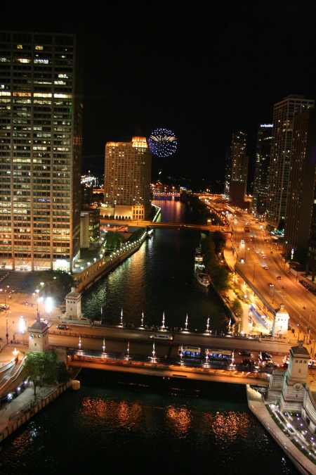 English: Fireworks at Navy Pier from the resta...