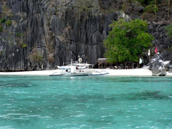 banol beach source: wikimedia.org
