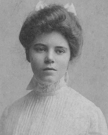 1901 portrait of Alice Paul, cofounder of the ...