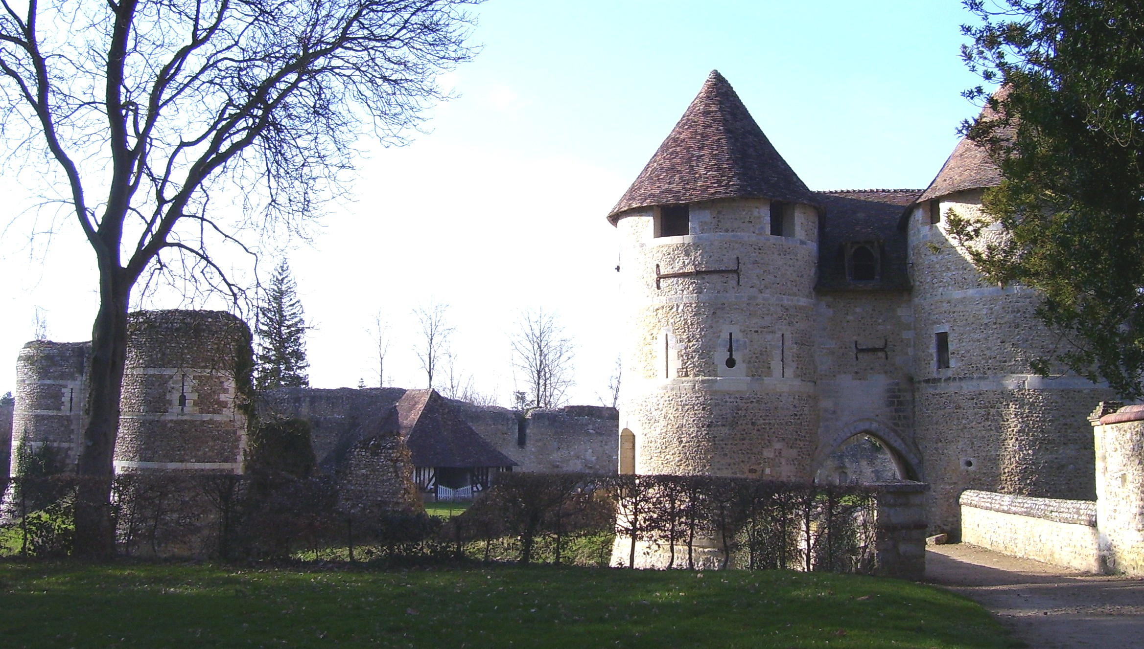 Châtelet und Teile der Festungsmauer, eigenes Foto, Lizenz: CC by