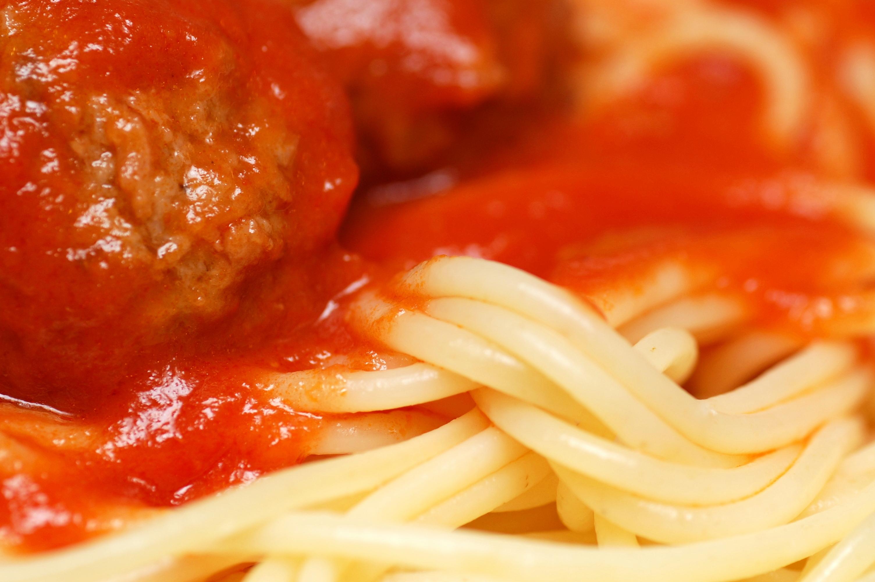 English: Spaghetti and Meatballs
