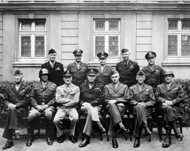 File American World War II senior military officials  1945 JPEG     File American World War II senior military officials  1945 JPEG
