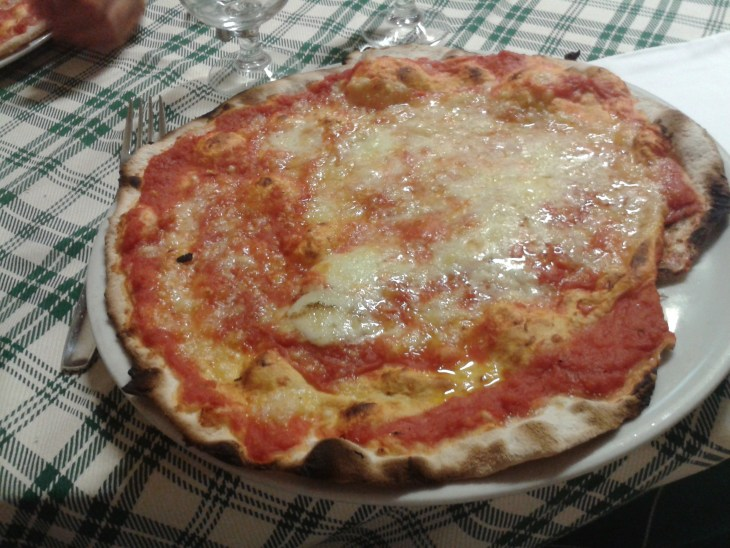 Pizza styles in Italy - Roman pizza - Luca Travels Around