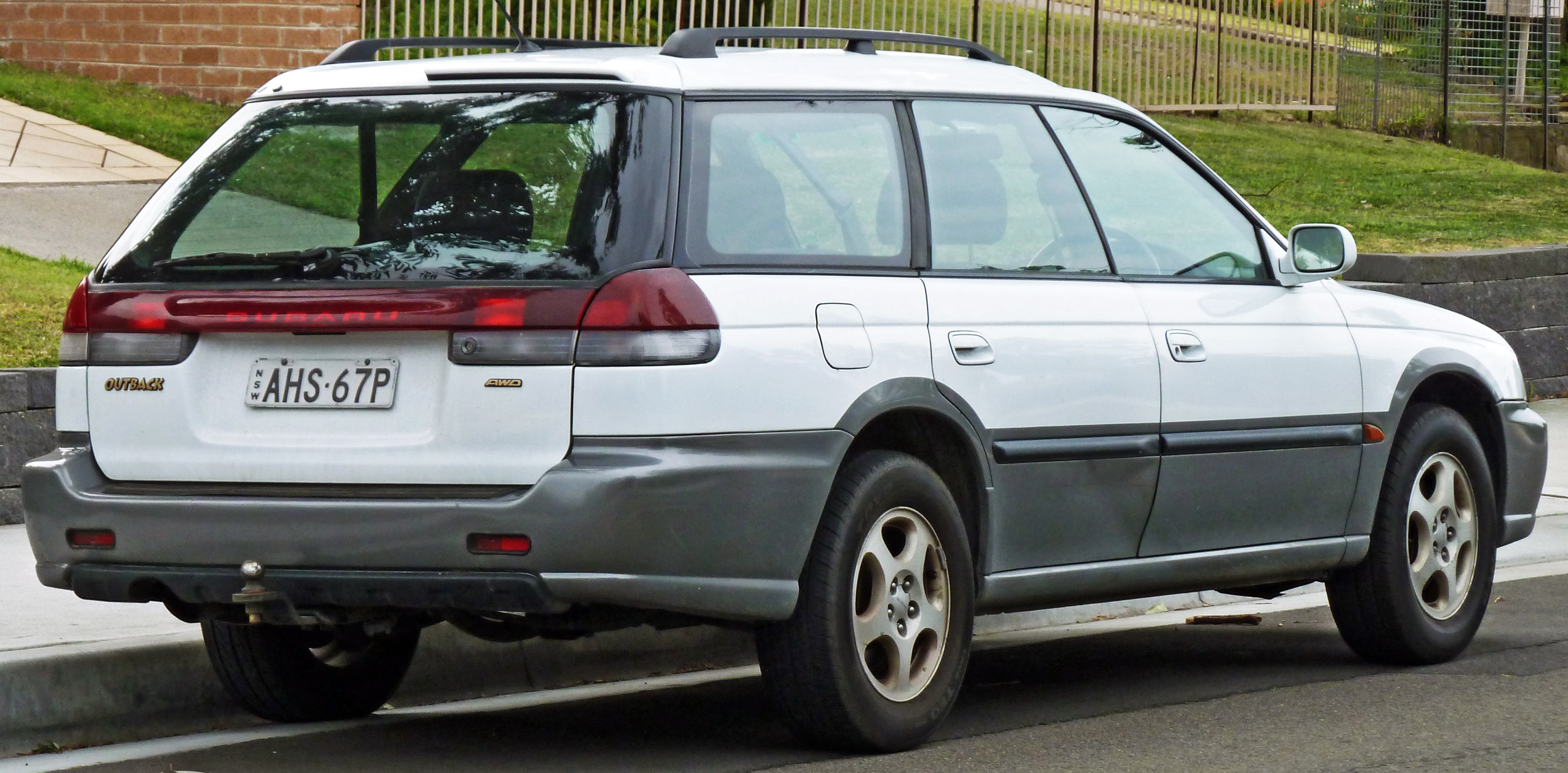 https commons wikimedia org wiki file 1998 subaru outback bg9 my98 special edition station wagon 2010 09 23 02 jpg
