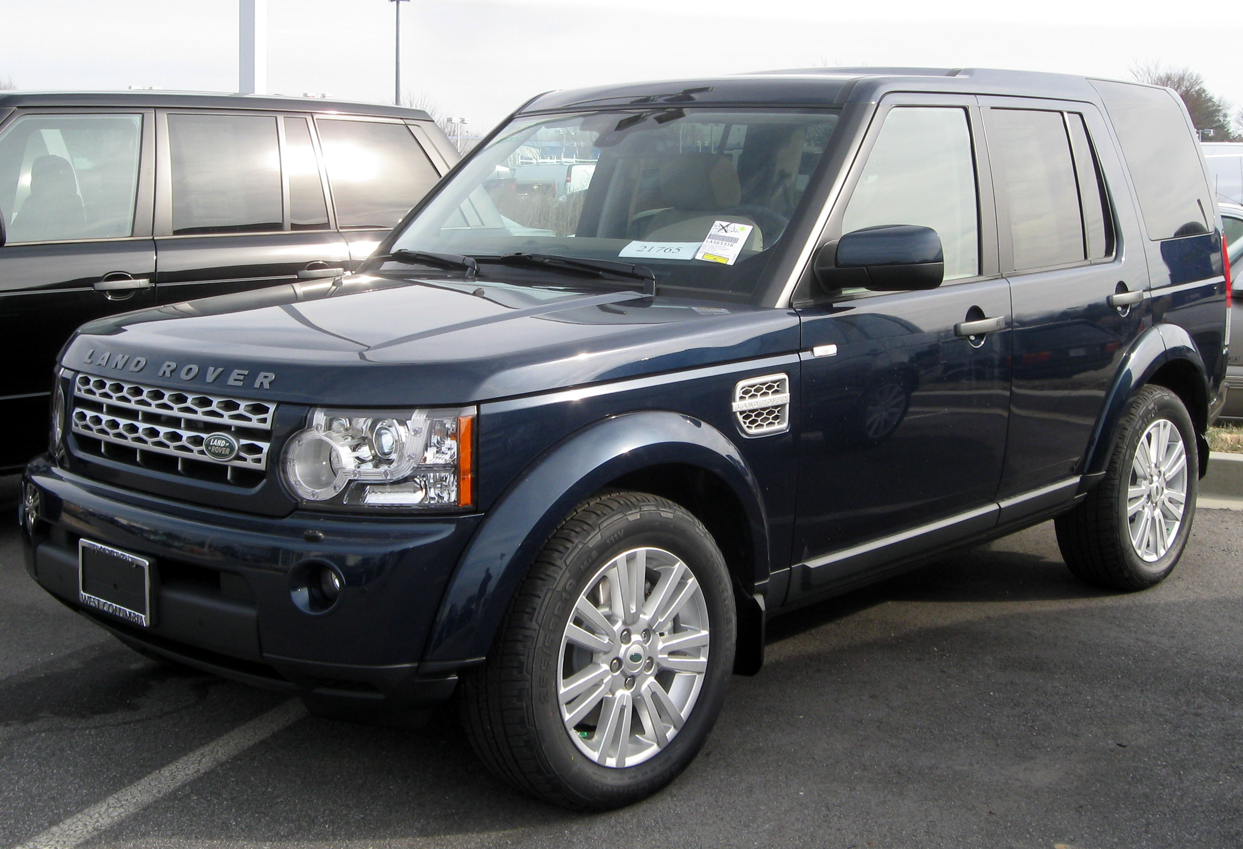File 2011 Land Rover LR4 12 31 2010 2 Wikimedia mons