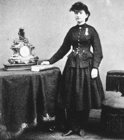 https://i2.wp.com/upload.wikimedia.org/wikipedia/commons/1/11/Mary_E_Walker.jpg