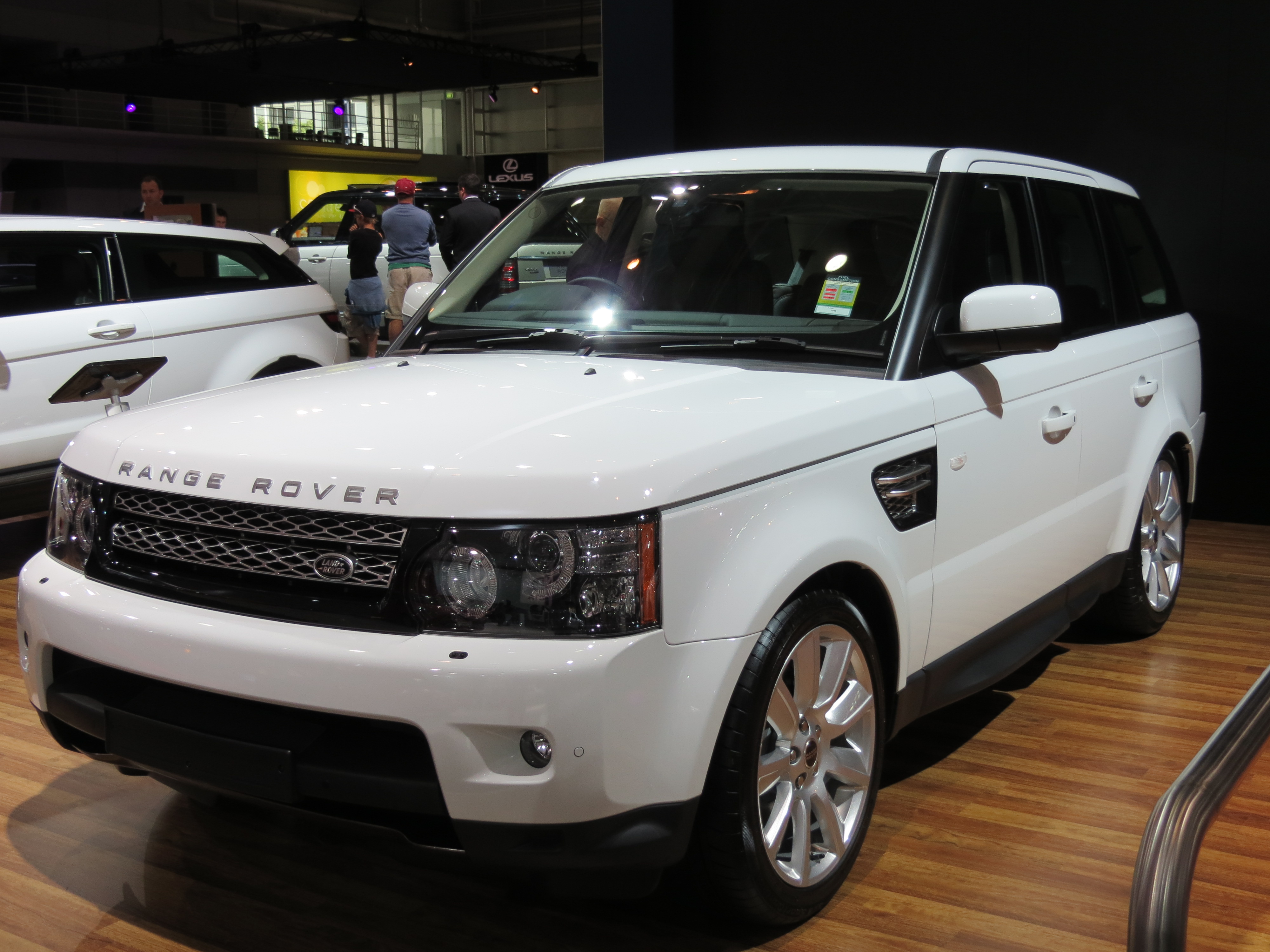File 2012 Land Rover Range Rover Sport L320 13MY SDV6 HSE Luxury