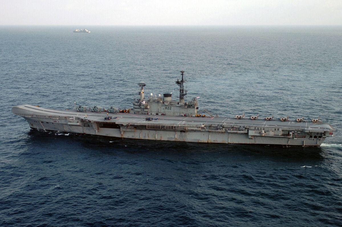 Pengalaman Sehari Diatas Kapal Induk Sang Pahlawan Perang Inggris