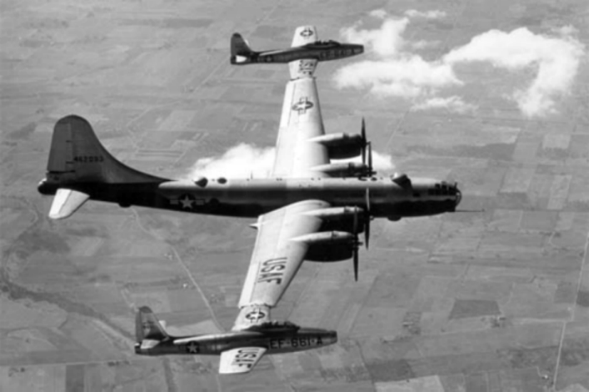 https://i2.wp.com/upload.wikimedia.org/wikipedia/commons/1/17/Boeing_B-29_TomTom.jpg