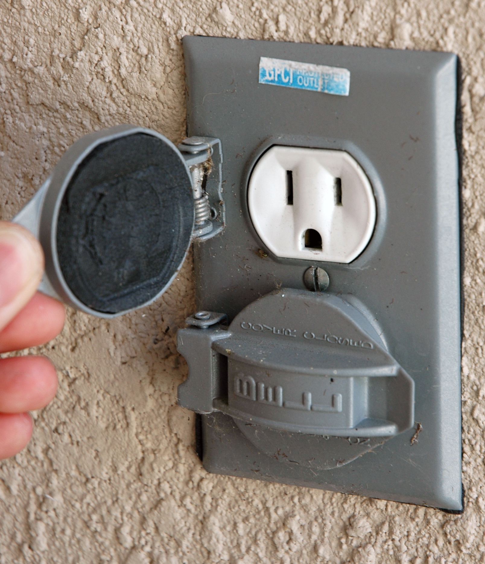 Outdoor Electrical Plug Covers
