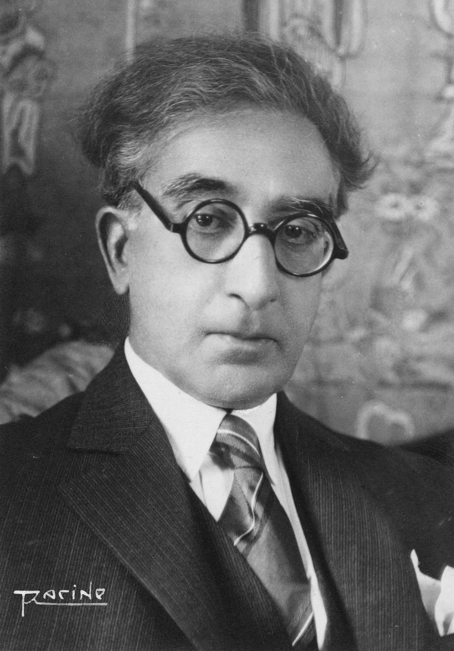 Deutsch: Kavafis 1929 in seiner Wohnung in Ale...