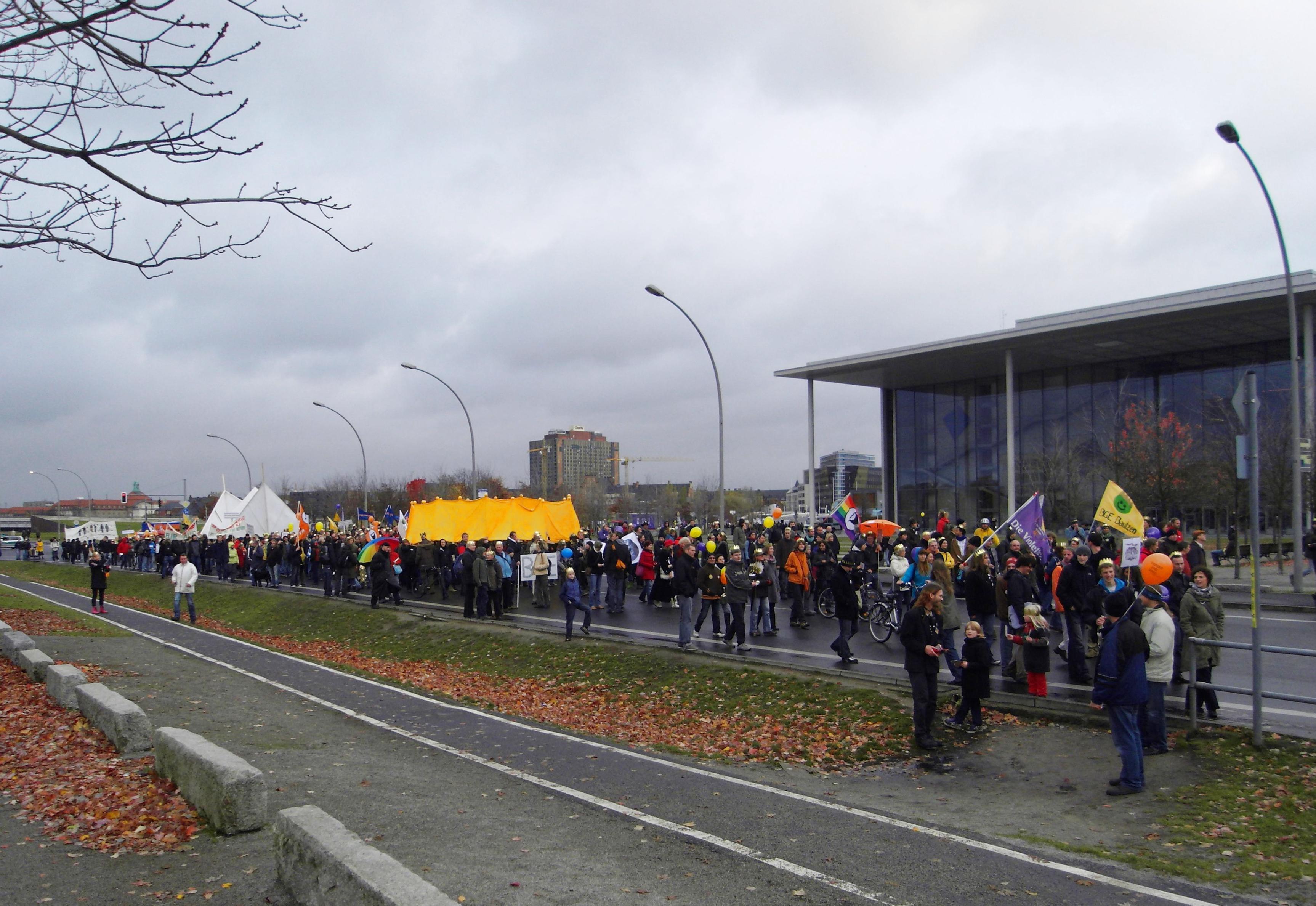 Deutsch: Demonstration für das Bedingungslose Einkommens.
