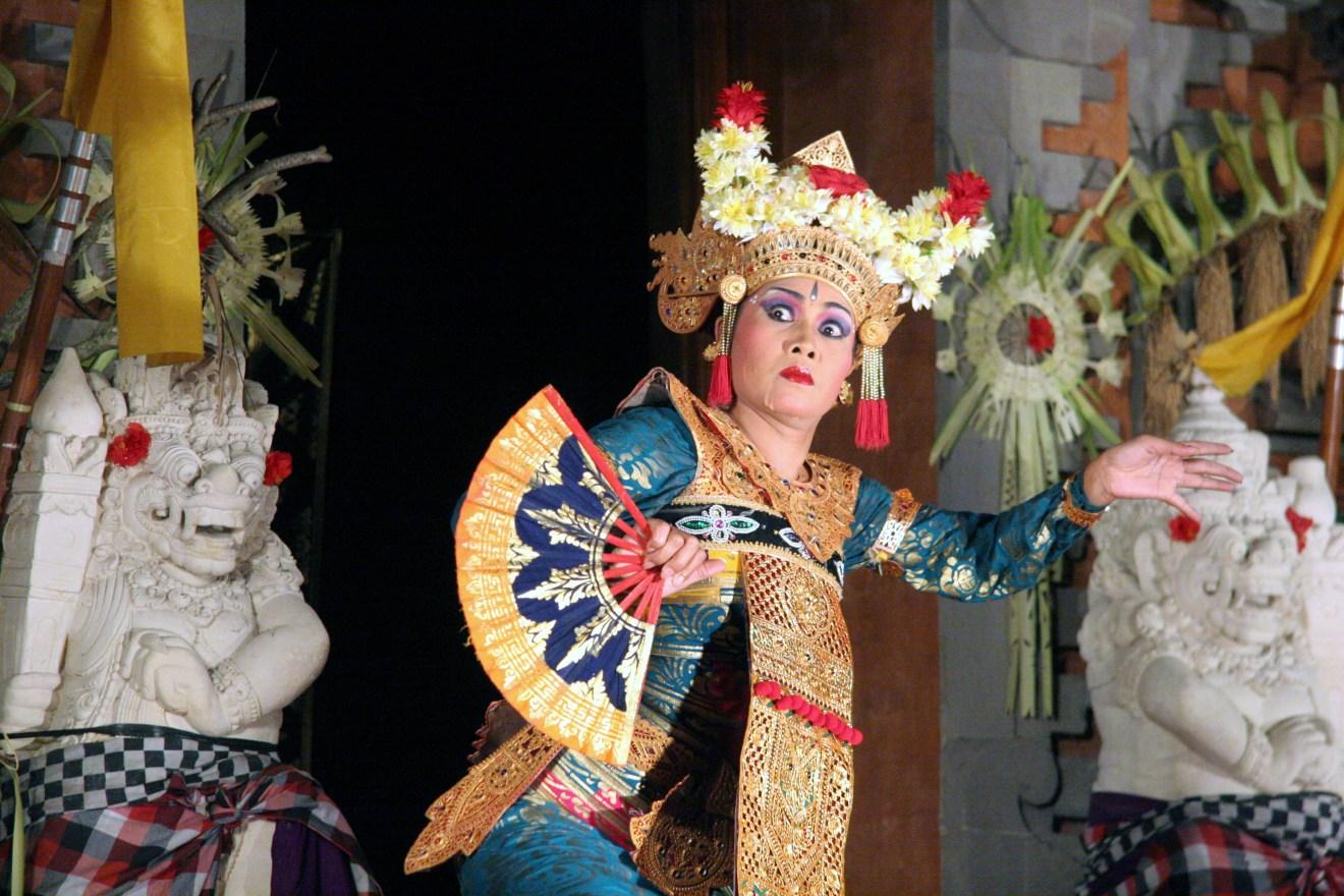 Tourism nationalism culture in post cosmopolitan bali - Artesania de indonesia ...
