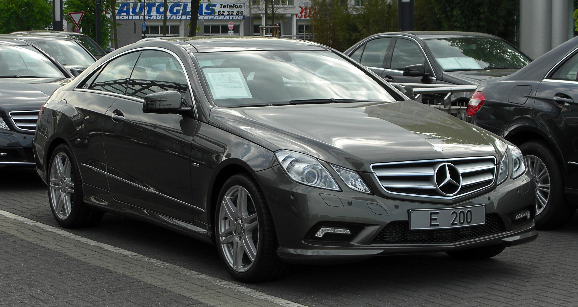 File Mercedes Benz E 200 Cgi Blueefficiency Coupe Sport