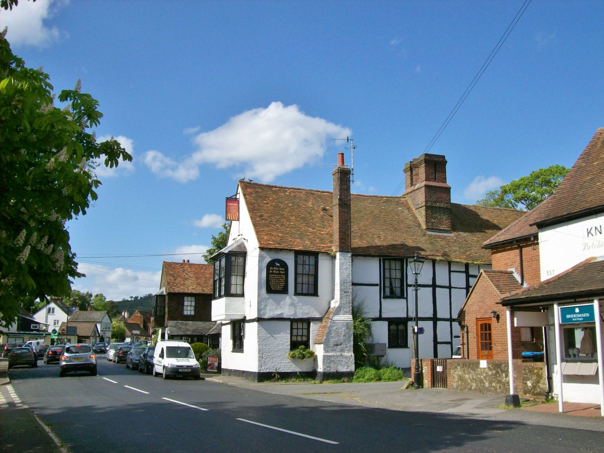 File:White Hart, Godstone.JPG - Wikimedia Commons