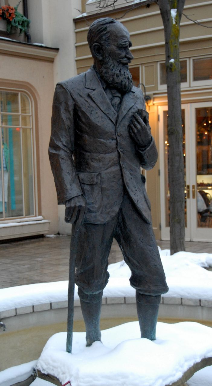 George Bernard Shaw standing in the snow. (Actually, at Niagara-on-the-Lake, site of an annual Shaw festival) Wikipedia image