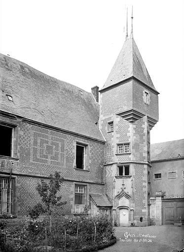 SchlossGienVor1893Eckturm