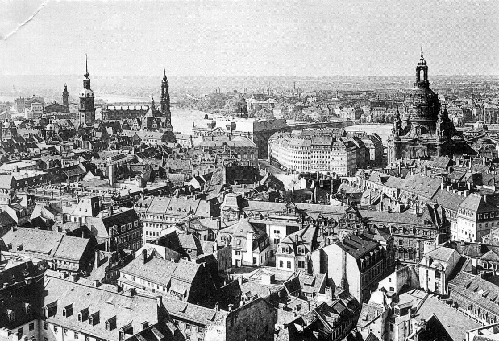Dresda nel 1910. Immagine di dominio pubblico.