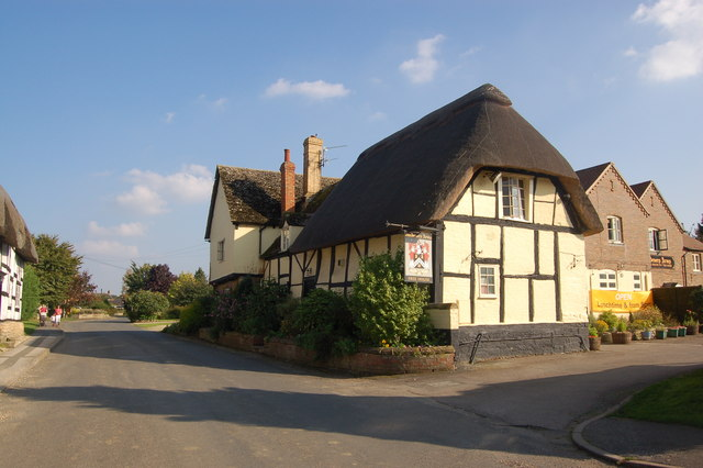 File:The Gardener's Arms in Alderton - geograph.org.uk - 969546