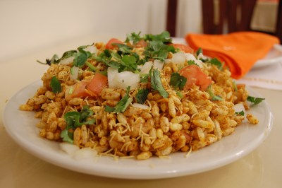 https://i2.wp.com/upload.wikimedia.org/wikipedia/commons/2/20/Indian_cuisine-Chaat-Bhelpuri-03.jpg?resize=400%2C266