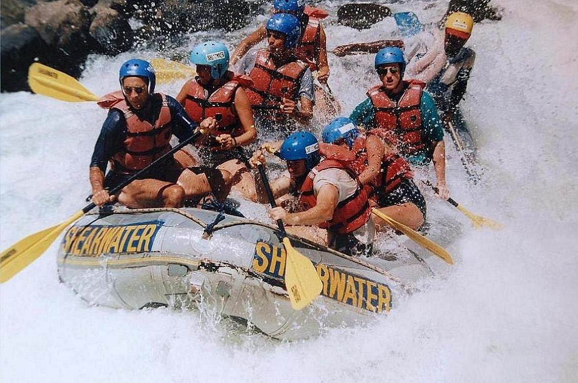 Rafting (Wiki Commons)