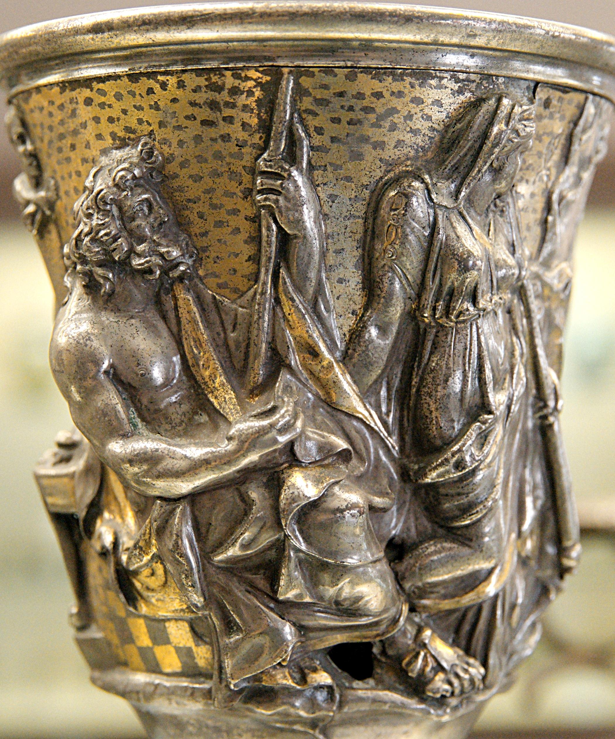 Poseidon und Demeter auf einem Becher von Domitius Tutus, von Marie-Lan Nguyen, Lizenz:CC by