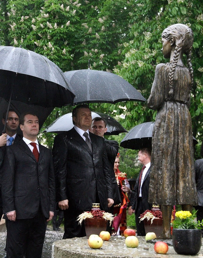File:Dmitry Medvedev in Kyiv - 17 May 2010.jpeg