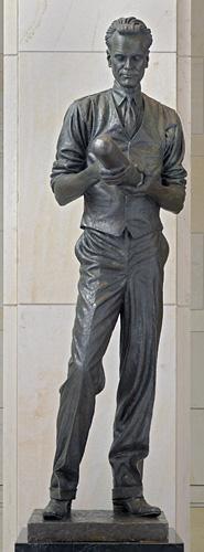 Statue of Philo T. Farnsworth at NSHC