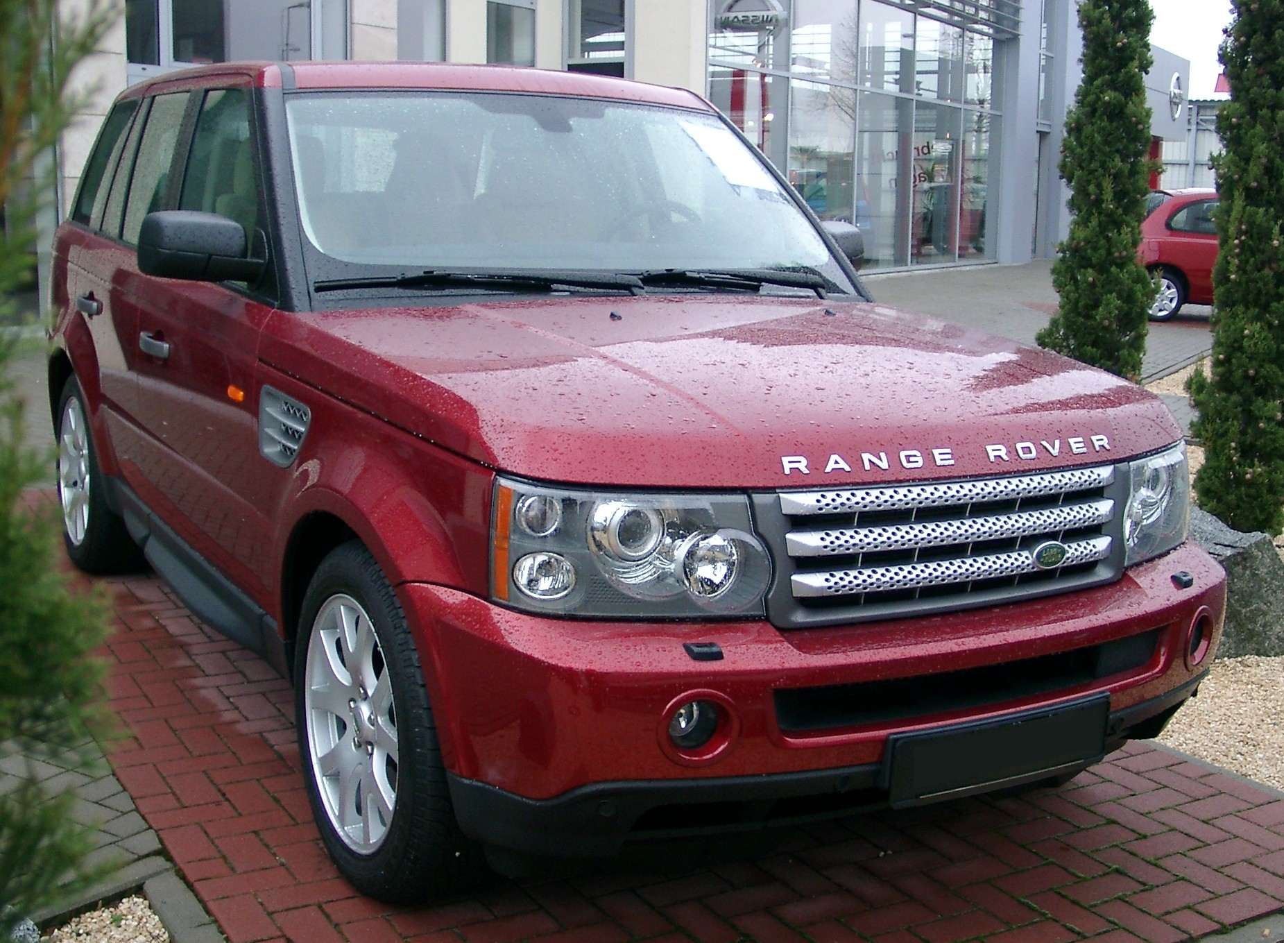 File Range Rover Sport HSE front Wikimedia mons