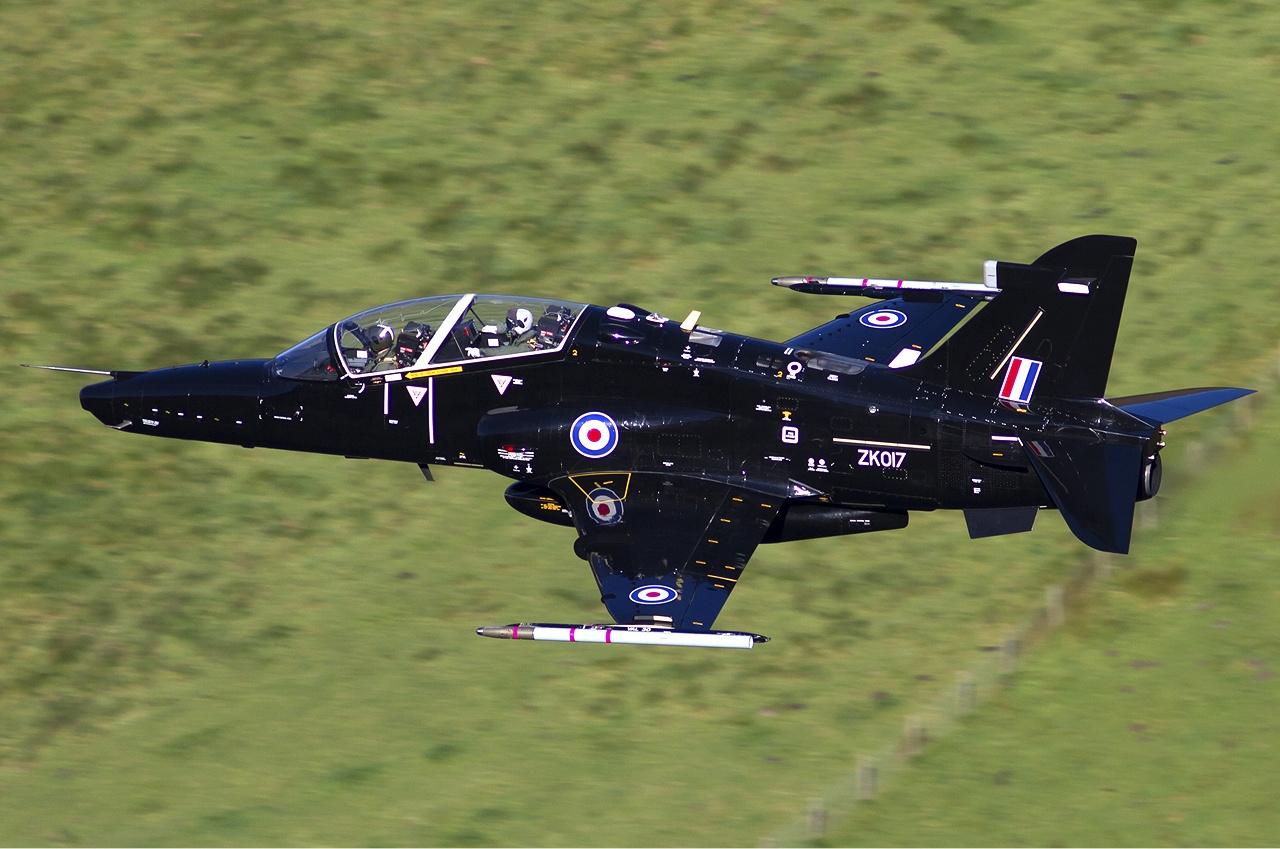 Обои истребители, Royal Air Force, сопровождение, самолеты, Red arrows, транспортный, Airbus A400M Atlas, четырёхмоторный, Красные стрелы. Авиация foto 12
