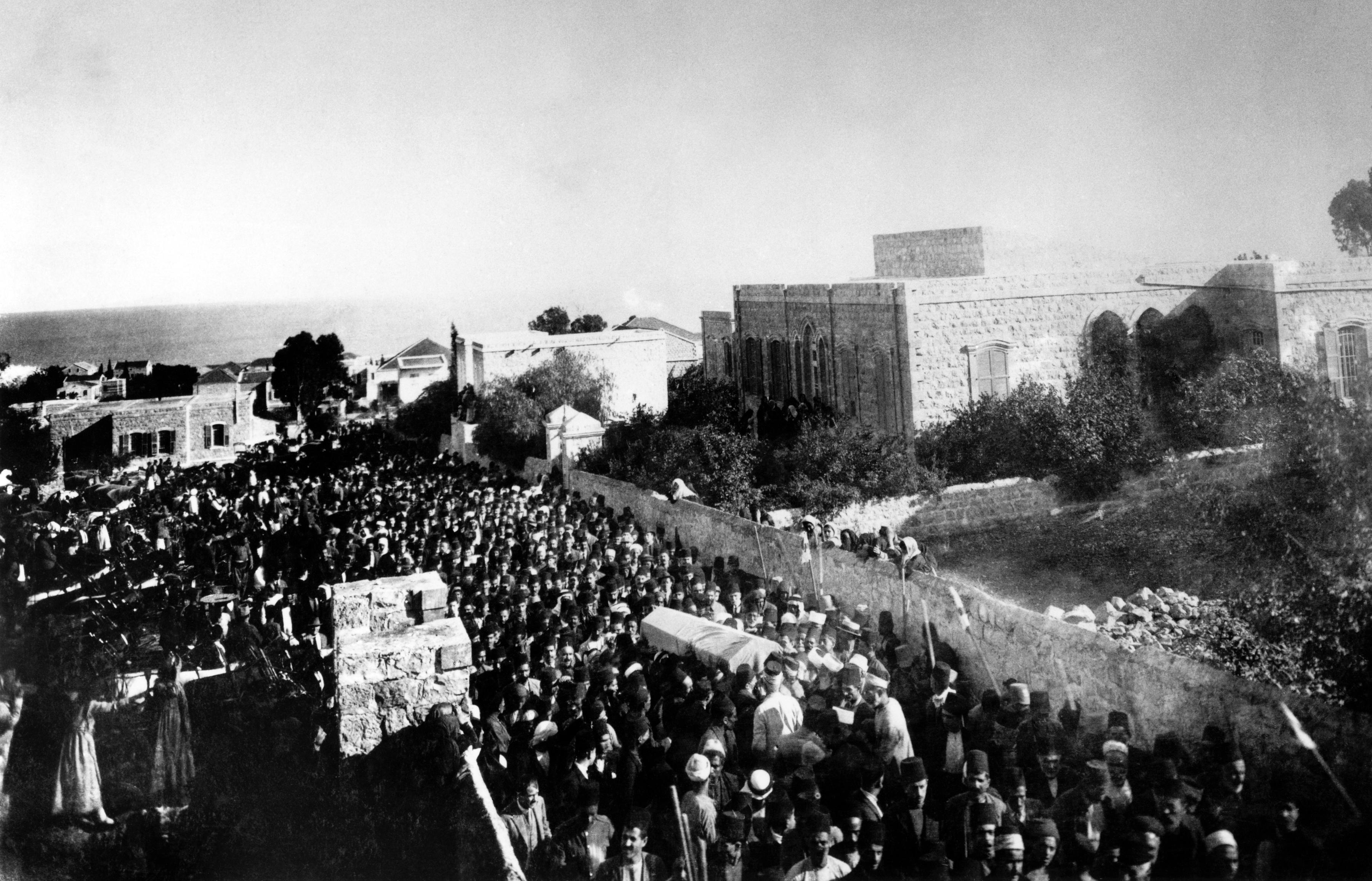 Beisetzung 'Abdu'l-Bahás am Berg Karmel in Haifa || 1921