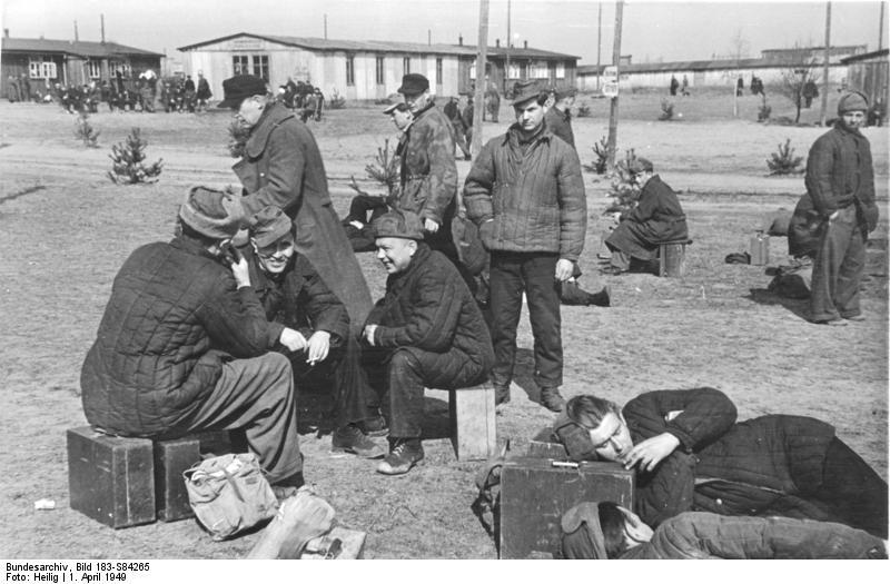 File:Bundesarchiv Bild 183-S84265, Frankfurt-Oder, Heimkehrer aus der Sowjetunion.jpg