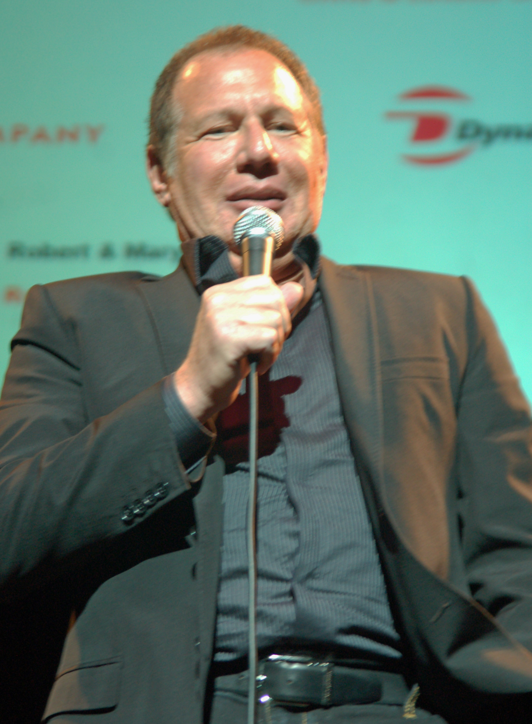 English: Garry Shandling at the Night of Comed...
