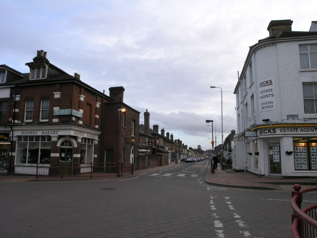 File:Snodland Town Centre - geograph.org.uk - 147070.jpg