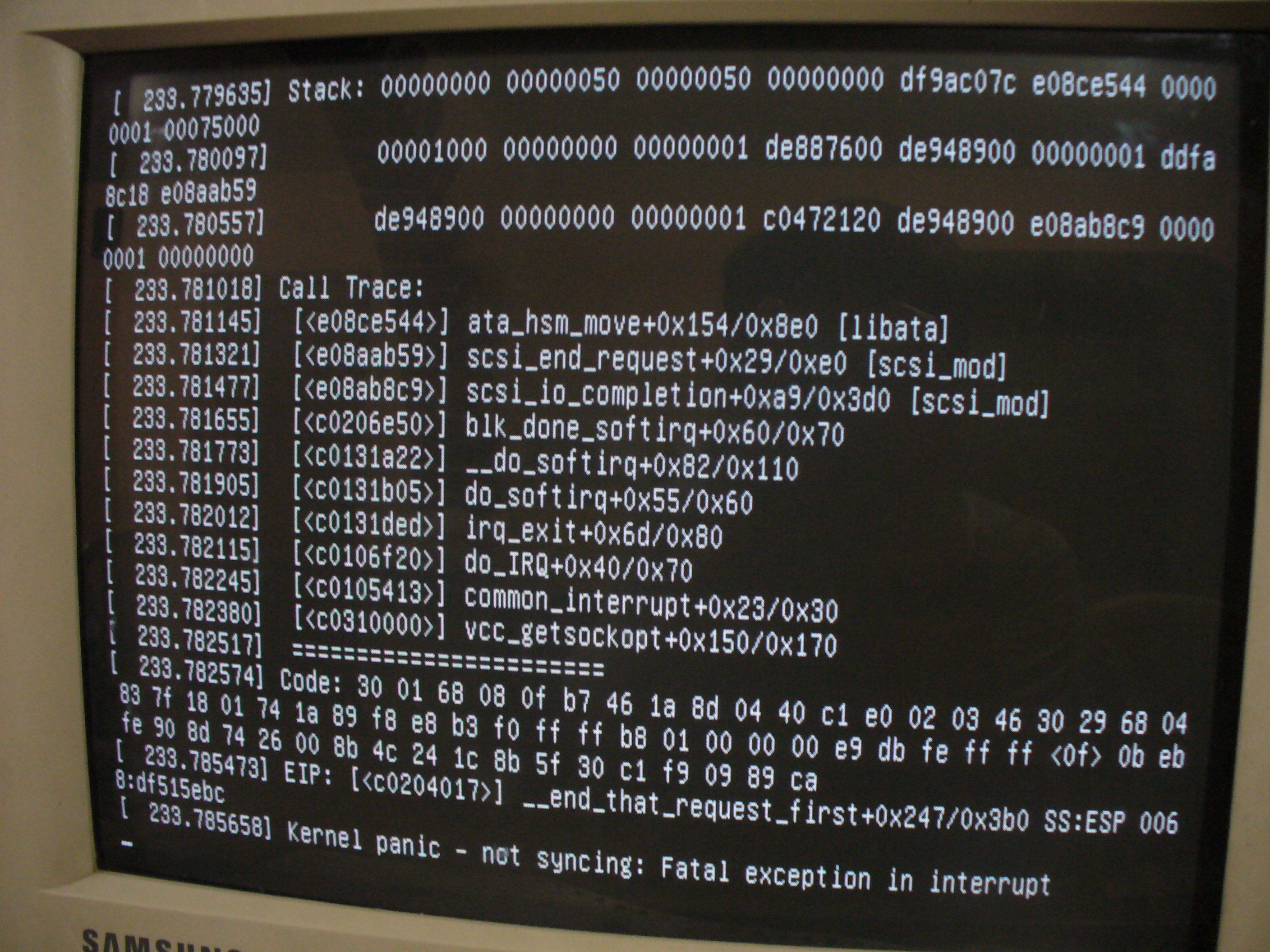 https://i2.wp.com/upload.wikimedia.org/wikipedia/commons/2/2b/Ubuntu-linux-kernel-panic-by-jpangamarca.JPG