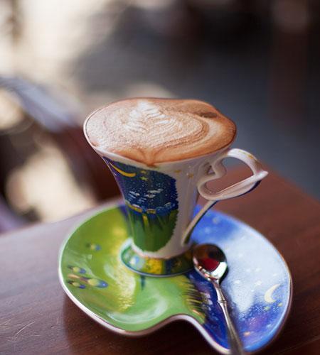 Post-moderni cappuccino. Kuva: wikicommons