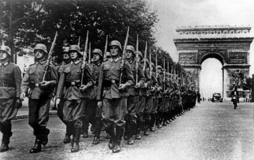 Bundesarchiv Bild 146-1994-036-09A, Paris, Parade auf der Champs Elysée