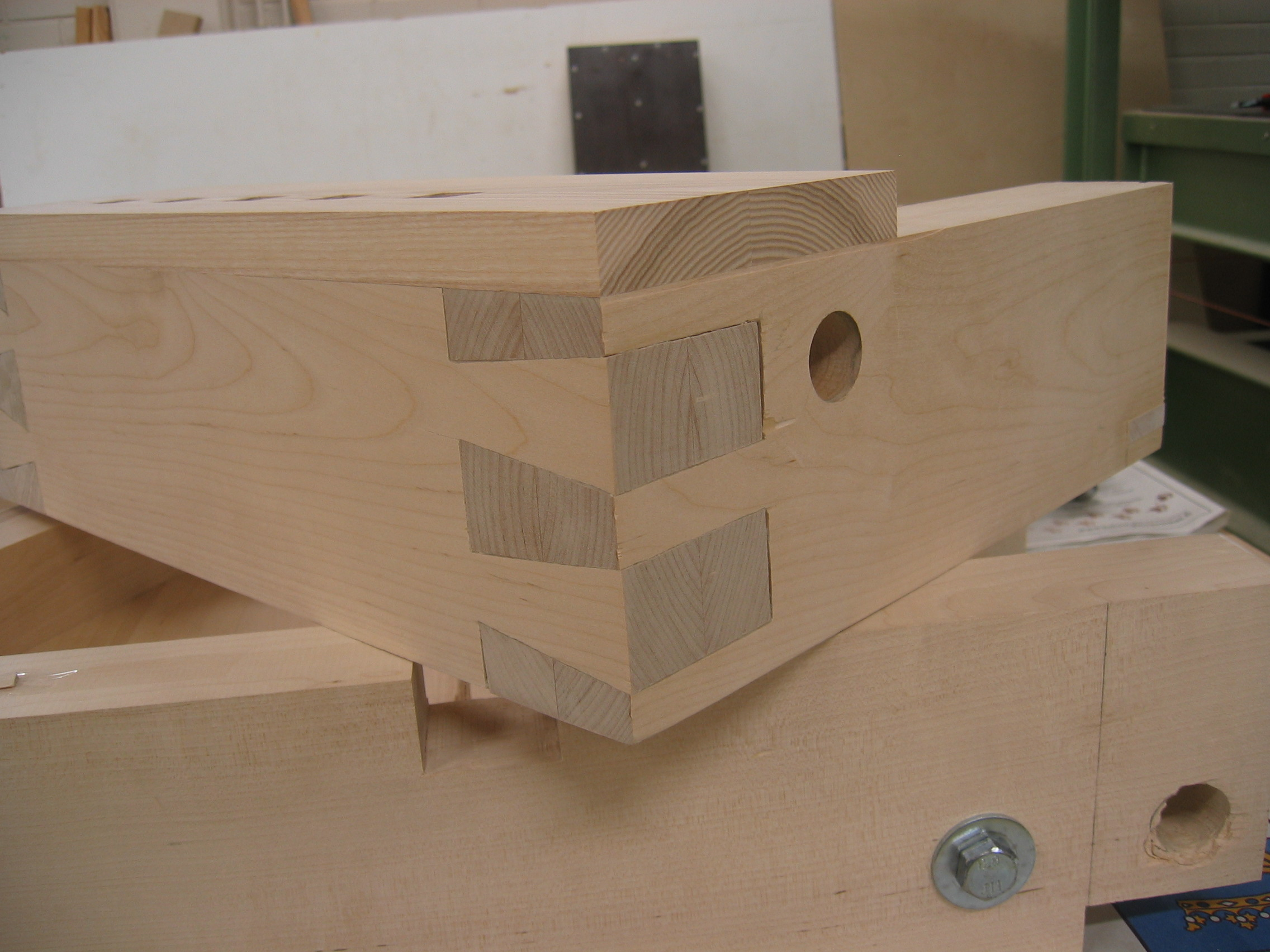 drawing of a dovetailed joint.