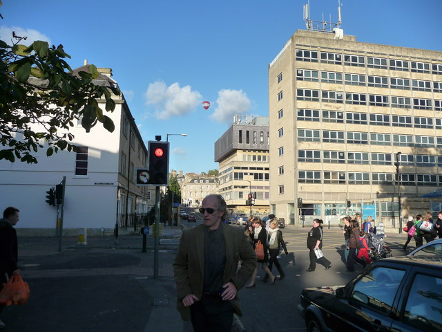 English: Bath : Charles Street Traffic lights ...