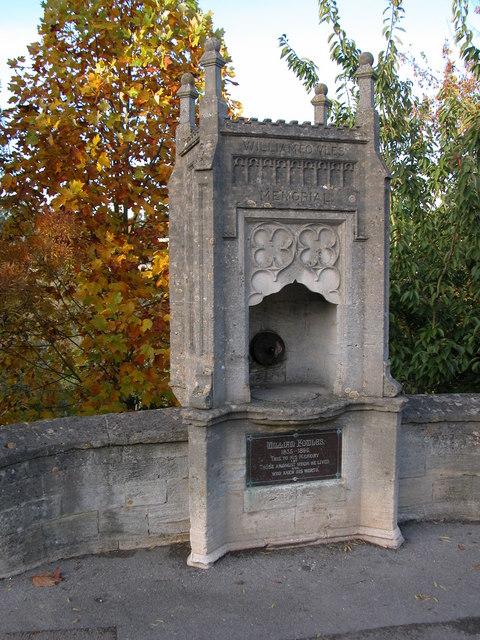 Memorial to William Fowles, Avening