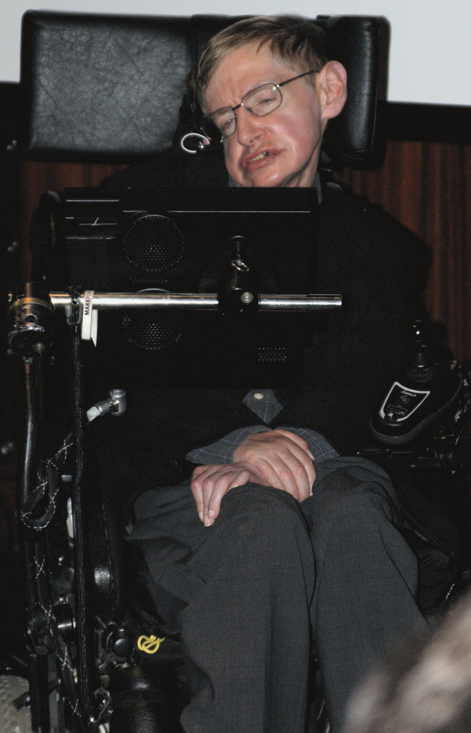 https://i2.wp.com/upload.wikimedia.org/wikipedia/commons/3/31/Stephen_Hawking_050506.jpg