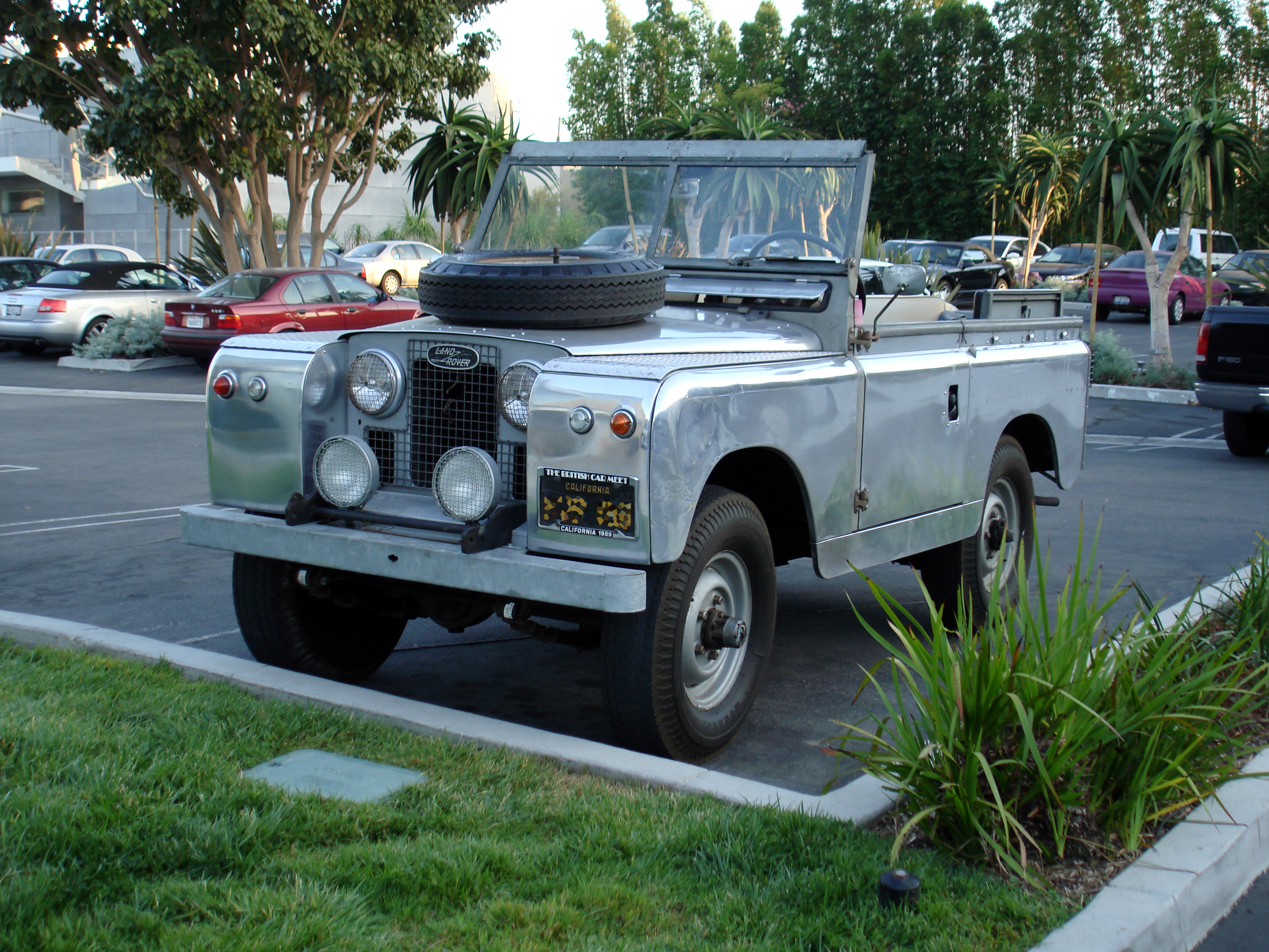 File 1962 Land Rover Series II 34 Front Wikimedia mons