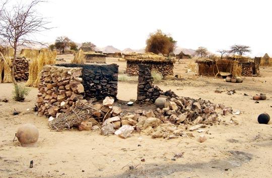 File:Darfur report - Page 2 Image 1.jpg