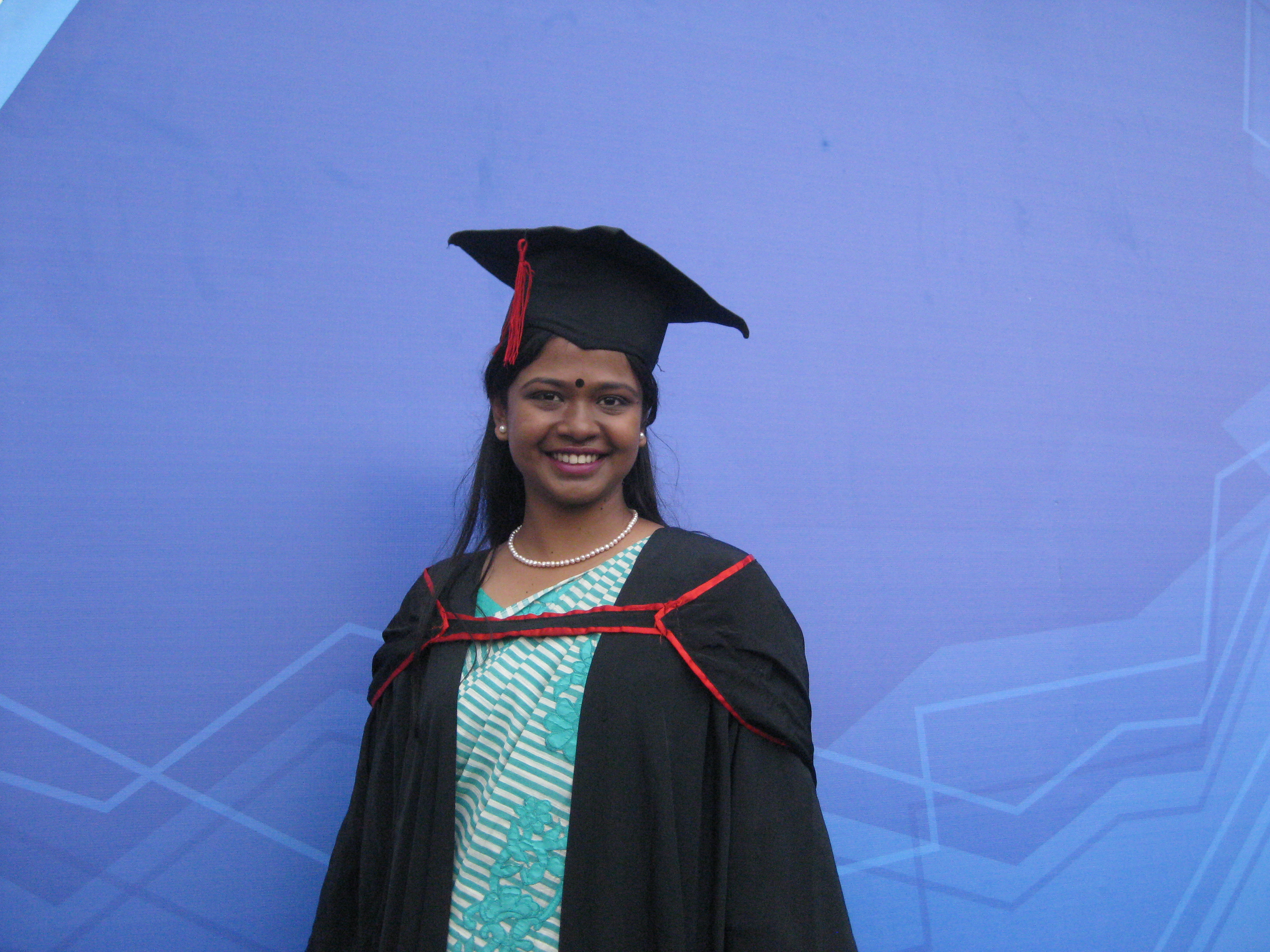 Academic_Dress_of_Graduate_Students_of_University_of_Dhaka.jpg (3264×2448)