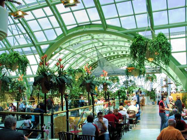 English: The winter garden with restaurant on ...