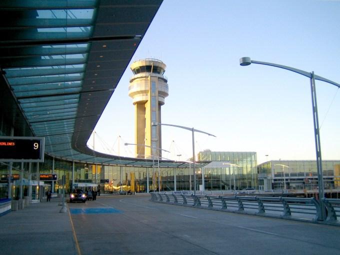 「モントリオールの空港」の画像検索結果