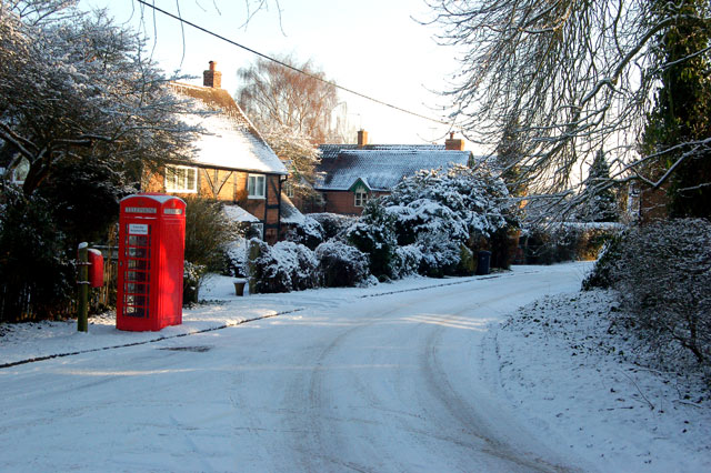 File:Snow on a sunny day in Leamington Hastings - geograph.org.uk