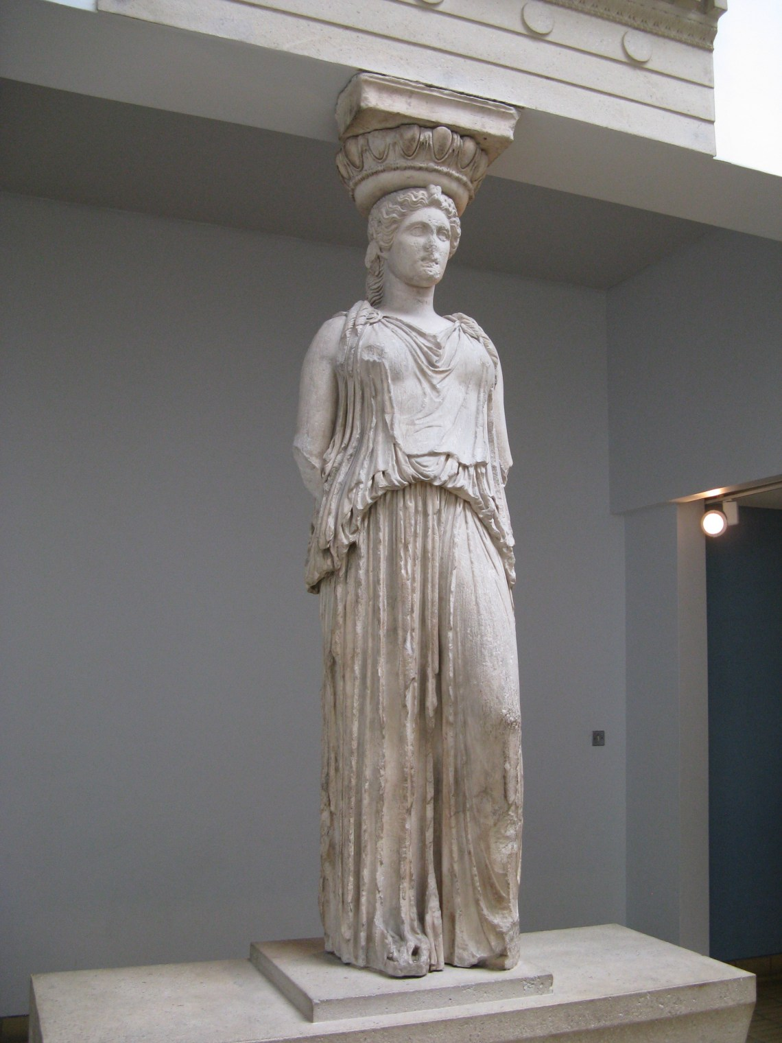 Caryatid Erechtheum British Museum 3 Greek Fashion