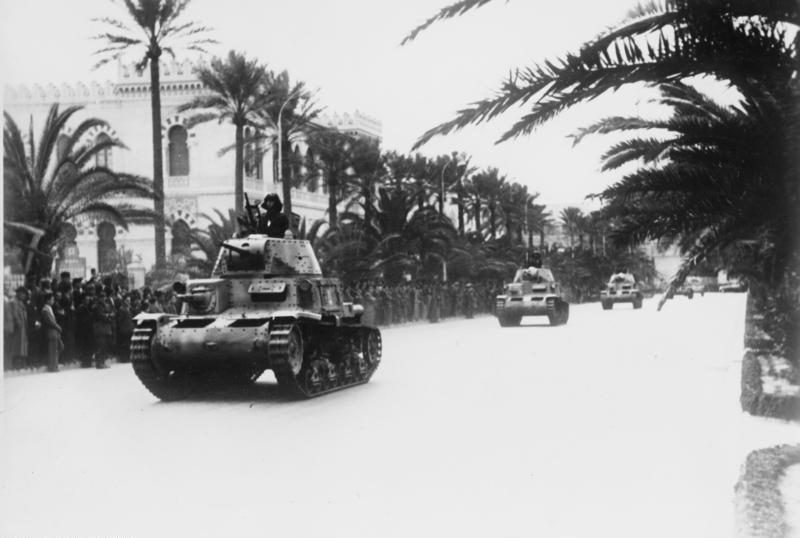 Bundesarchiv Bild 183-B16002, Nordafrika, Truppenparade in Tripolis